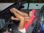 """Tranh vui - """"Bật mí"""" góc khuất của chị em trong xe ô tô"""