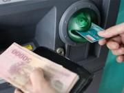 Tài chính - Bất động sản - NH không được đặt hạn mức rút tiền ATM dưới 5 triệu