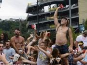 Ca nhạc - MTV - 37 người đi cấp cứu vì hỗn loạn tại buổi diễn của Kenny Chesney