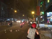 Tin tức trong ngày - Dông, lốc xoáy làm cát bụi bay mù mịt giữa đêm Sài Gòn