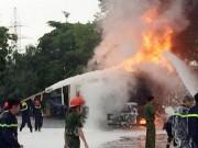 Tin tức trong ngày - HN: Cây xăng cháy dữ dội, hàng trăm người dập lửa