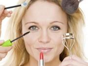 Làm đẹp - 7 lưu ý giúp phụ nữ trung niên đẹp rạng ngời