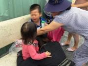 Tin tức Việt Nam - 2 con khóc gào khi thấy cha nằm trên đường sau tai nạn