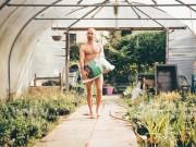 Phi thường - kỳ quặc - Đức: Được phép khỏa thân trong vườn dù hàng xóm nhức mắt