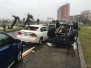 Siêu bão càn quét bờ biển Đài Loan, hướng sang TQ