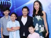 Ca nhạc - MTV - Bạn gái hoa hậu đưa các con Bằng Kiều đi cổ vũ bố