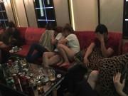 """An ninh Xã hội - """"Dân chơi"""" lắc lư giữa làn khói ma túy ở quán karaoke"""