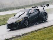 Tin tức ô tô - Acura NSX GT3 khoe cơ thể sợi carbon trên một đường thử