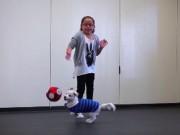Thế giới - Mỹ: Bé gái 10 tuổi dạy chú chó điếc ngôn ngữ cử chỉ