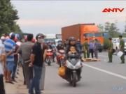 Video An ninh - Clip: Container húc đuôi, cán qua người nữ sinh
