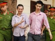 An ninh Xã hội - Bị cáo giết người cười rạng rỡ sau khi phiên tòa bị hoãn