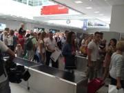 Sân bay Nice náo loạn vì kiện hành lý đáng ngờ