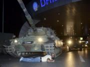 Thế giới - Cảnh dữ dội trong cuộc đảo chính ở Thổ Nhĩ Kỳ