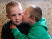 Bạn trẻ - Cuộc sống - Clip: Tình yêu anh trai dành cho em trai mắc hội chứng Down