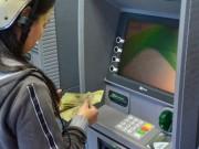 Tài chính - Bất động sản - Nhiều ATM chưa nâng hạn mức rút tiền