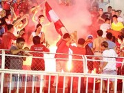 """Bóng đá - Hòa 3-3 """"choáng váng"""", CĐV Hải Phòng đốt pháo sáng ăn mừng"""