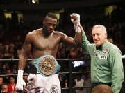 Thể thao - Boxing: Gãy tay vỡ bắp vẫn đánh đối thủ xin hàng