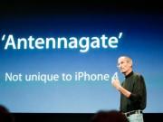 """Thời trang Hi-tech - Nhìn lại cách Apple xử lý khủng khoảng vụ """"Atennagate"""" 2010"""