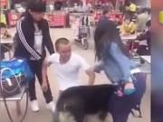 Bạn trẻ - Cuộc sống - Clip: Hai cô gái giành giật tình nhân giữa phố