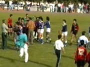 Bóng đá - Trận đấu bạo lực nhất lịch sử: 15 thẻ vàng, 6 thẻ đỏ