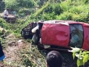 Tin tức trong ngày - Ô tô BMW lao xuống vực, 7 người thương vong
