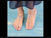 """Thời trang - Làm vòng chân đi biển """"sang chảnh"""" bằng trang sức cũ"""