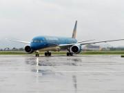 Tin tức trong ngày - Nhiều chuyến bay đến sân bay Nội Bài bị hủy do bão số 1