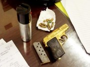 An ninh Xã hội - Mang súng mạ vàng dạo phố, không cho CSCĐ kiểm tra