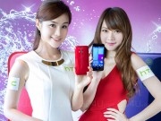 Thời trang Hi-tech - Ngắm hotgirl nóng bỏng bên smartphone