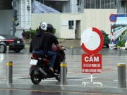 Tin tức trong ngày - Xe máy phóng trên phố đi bộ ở Sài Gòn, du khách ngán ngẫm