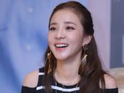 Cô nàng đẹp nhất 2NE1 thích ăn bánh mì và mặc áo dài Việt Nam