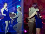 Ca nhạc - MTV - Mr. Đàm quỳ gối, ôm chặt Mỹ Tâm trên sân khấu
