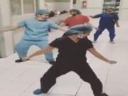Bạn trẻ - Cuộc sống - Clip: Bác sĩ xả stress bằng vũ điệu bốc lửa gây sốt