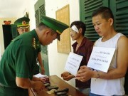 An ninh Xã hội - Kẻ buôn ma túy phun khí độc vào biên phòng để tháo chạy