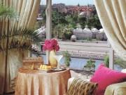 Du lịch - Cận cảnh khách sạn siêu sang giữa vùng chiến sự Syria