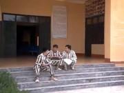 Đội kịch đặc biệt sau song sắt trại giam (P.1)