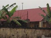 An ninh Xã hội - Phạm nhân vờ đi vệ sinh rồi bỏ trốn