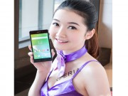 Thời trang Hi-tech - Ngắm dàn mỹ nữ gợi cảm bên smartphone