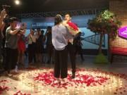 Bạn trẻ - Cuộc sống - Xôn xao màn cầu hôn tại rạp chiếu phim của 9x Hà thành