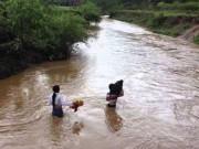 Tin tức trong ngày - Thanh Hóa: Bé trai 5 tuổi bị mưa lũ cuốn trôi trong đêm