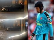 Bóng đá - Tin HOT tối 15/8: Cech gặp tai nạn sau trận thua Liverpool