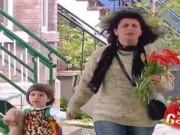 """Video Clip Cười - Clip hài: Bỗng chốc biến thành kẻ """"trộm hoa"""""""