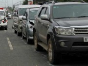Tin tức trong ngày - Xe cứu thương chở thi thể tông liên hoàn 4 ô tô
