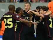 """Man City thắng lớn: Sterling  """" lên mây """" , Aguero thoát tội"""