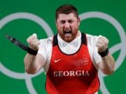 """Thể thao - """"Thần sức mạnh"""" nâng 473kg phá KLTG, gặt HCV Olympic"""