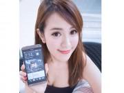 Thời trang Hi-tech - Hotgirl xinh đẹp khoe hình thể siêu gợi cảm bên smartphone