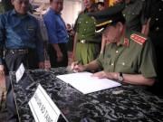 Tin tức trong ngày - Bộ trưởng Tô Lâm viếng Bí thư, Chủ tịch HĐND tỉnh Yên Bái