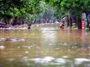 Tin tức trong ngày - TP Yên Bái ngập sâu trong biển nước sau bão số 3