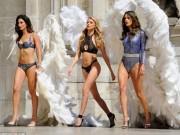 Thời trang - 4 siêu mẫu mặc nội y, đeo cánh khuấy đảo nhà hát Paris