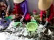 Bạc Liêu: Phát hiện hàng loạt cơ sở bơm chất lạ vào tôm